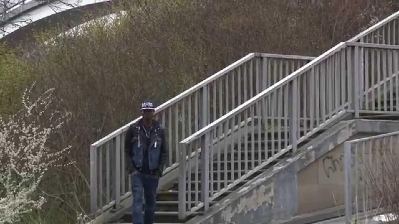 UK SEH NO JOKE TING…JAMAICAN GAY DEPORTED